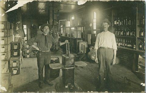1920s Big 4 Bottling Co