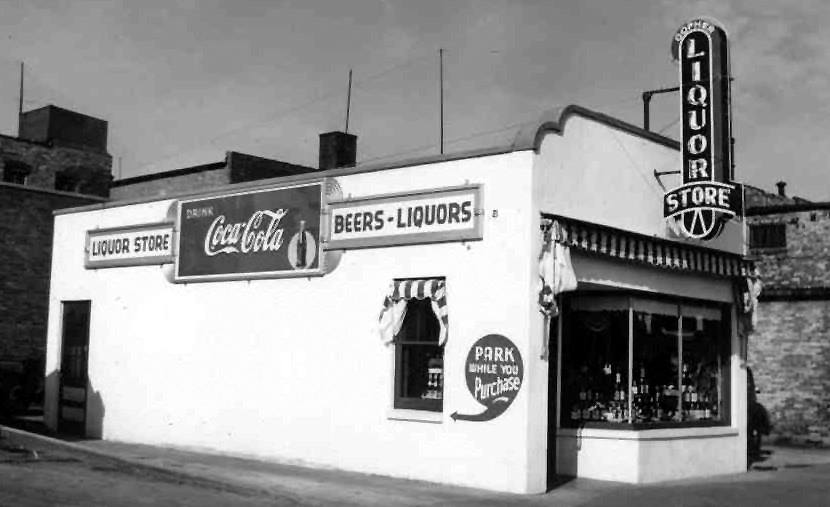 Mac's Liquor Store (was located at 405 N. Chatham St. - 1st St. N.E.) Austin, Mn