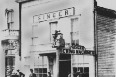 Singer Manufacturing Co. - 1904 (located at 215 E. Bridge St. - 2nd Ave. N.E.)
