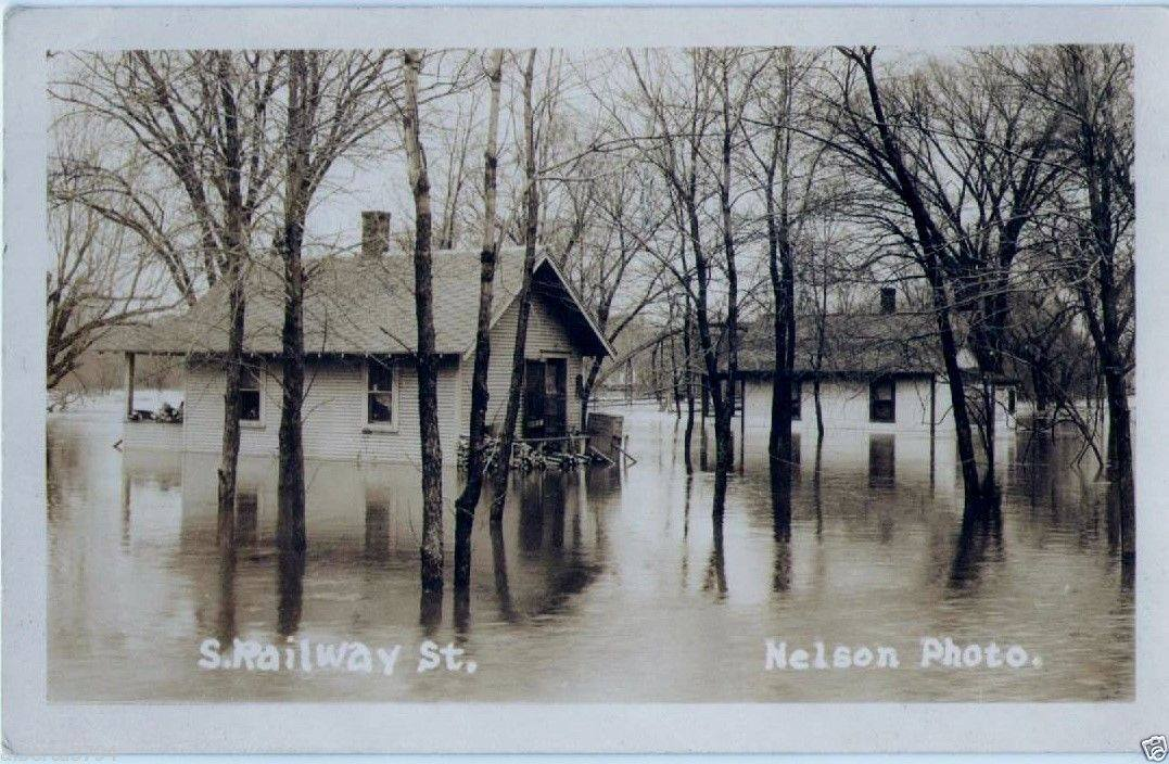 Flooding in Austin along South Railway Street (possibly in the former long-time area of Buffy the Cow) from 1930s or 1940s