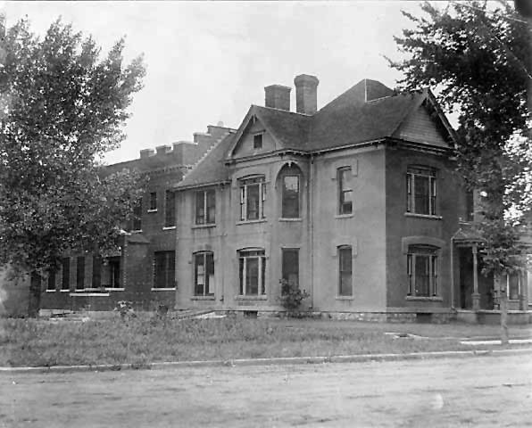 Mower County Jail and Sheriff's house - 1920 Austin, Mn