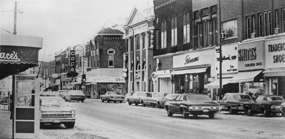 Main St. (looking south - yr. unknown Austin, Mn
